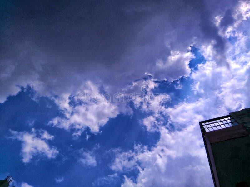 Schöne Himmel stockbilder