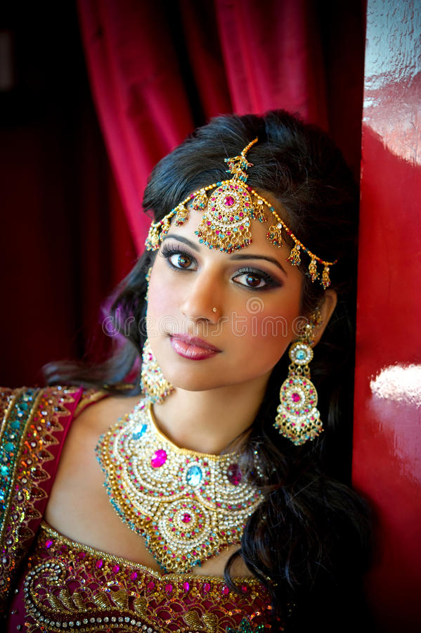 Schöne indische Braut stockbild