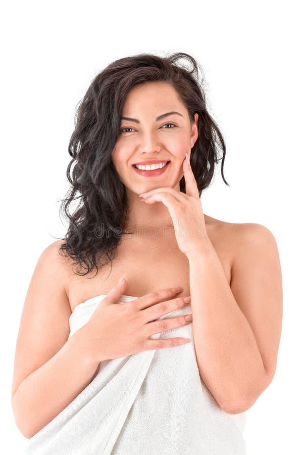 Schöne junge asiatische Frau im weißen Tuch stockbild