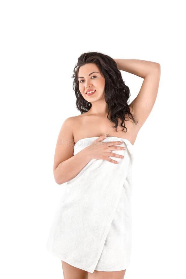 Schöne junge asiatische Frau im weißen Tuch lizenzfreie stockfotos