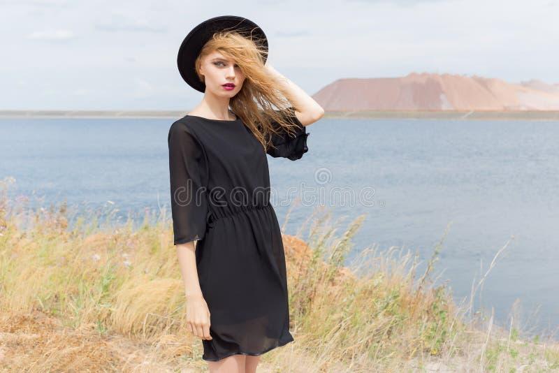 Kleider fur blonde frauen