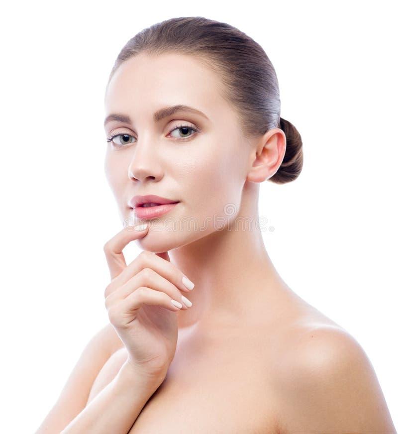Schöne junge Frau getrennt auf weißem Hintergrund Badekurortschönheits-Modellfrau, perfekte Sauberkeit, frische Hautpflegenahaufn lizenzfreie stockfotografie