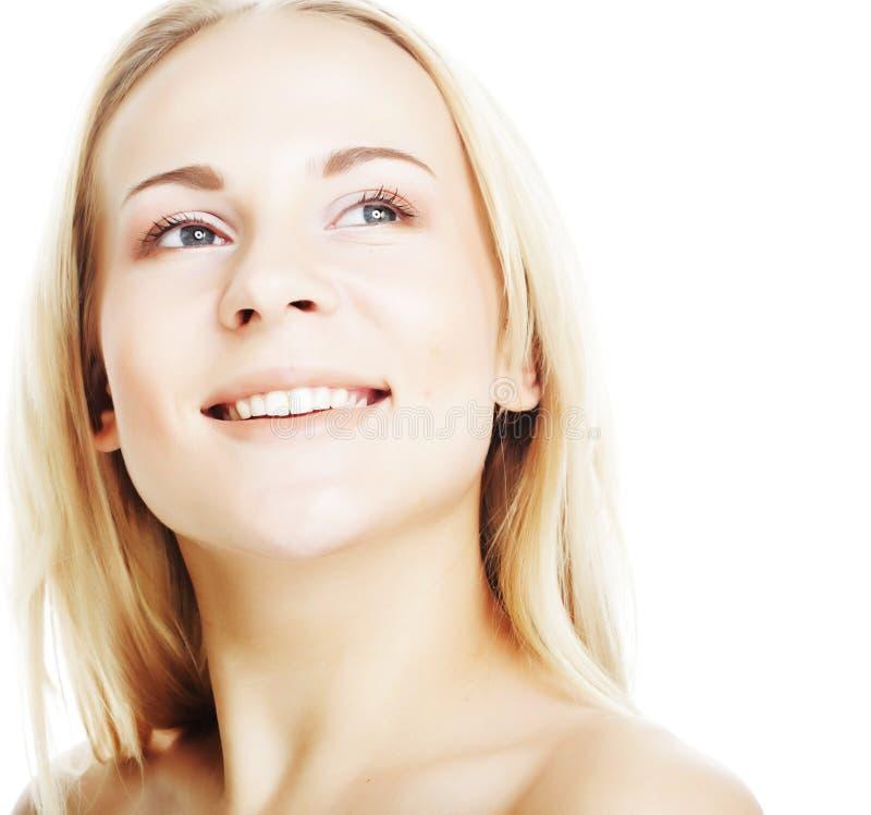 Schöne junge Frau mit sauberer Haut lizenzfreies stockbild