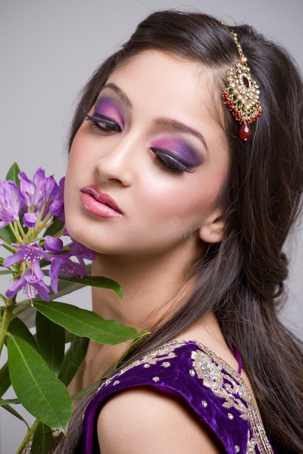 Schöne junge indische Braut stockfotos