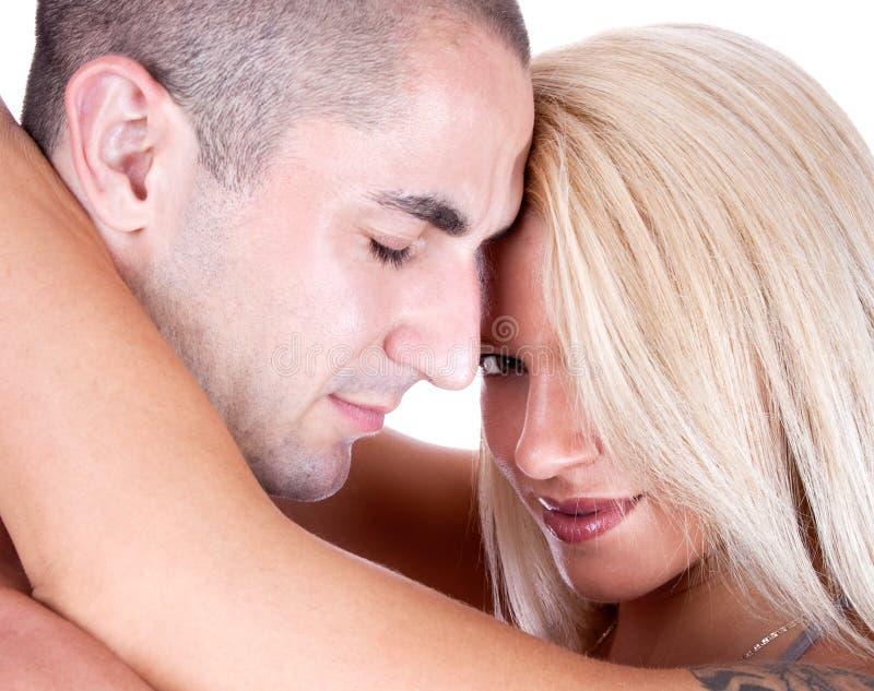 Schöne junge Paare in der Liebe stockbilder