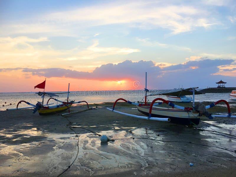 Schöne Küste von Bali, Indonesien lizenzfreie stockbilder
