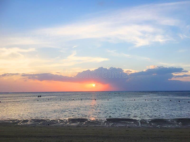 Schöne Küste von Bali, Indonesien stockfotografie