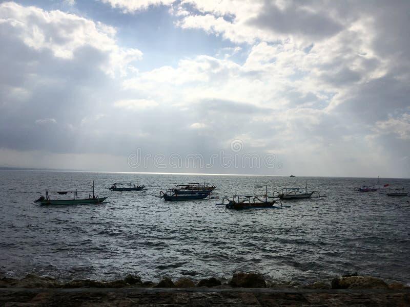 Schöne Küste von Bali, Indonesien lizenzfreies stockbild
