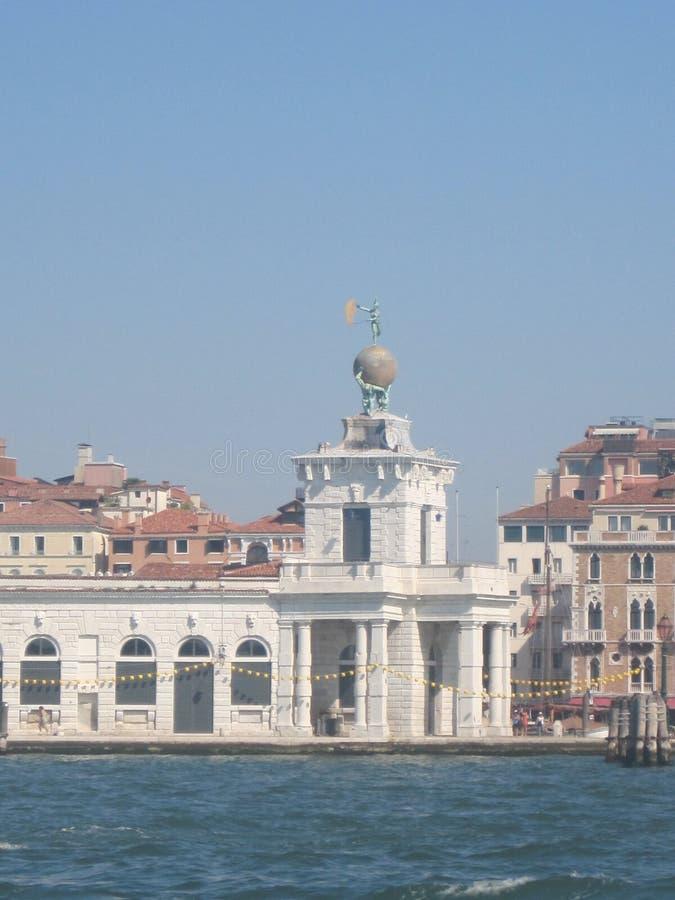 Schöne Kirchen von Venedig im Sommer stockbilder