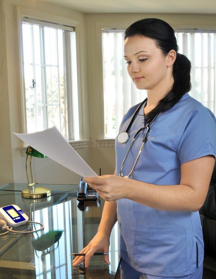 Schöne Krankenschwesterfunktion stockfotografie