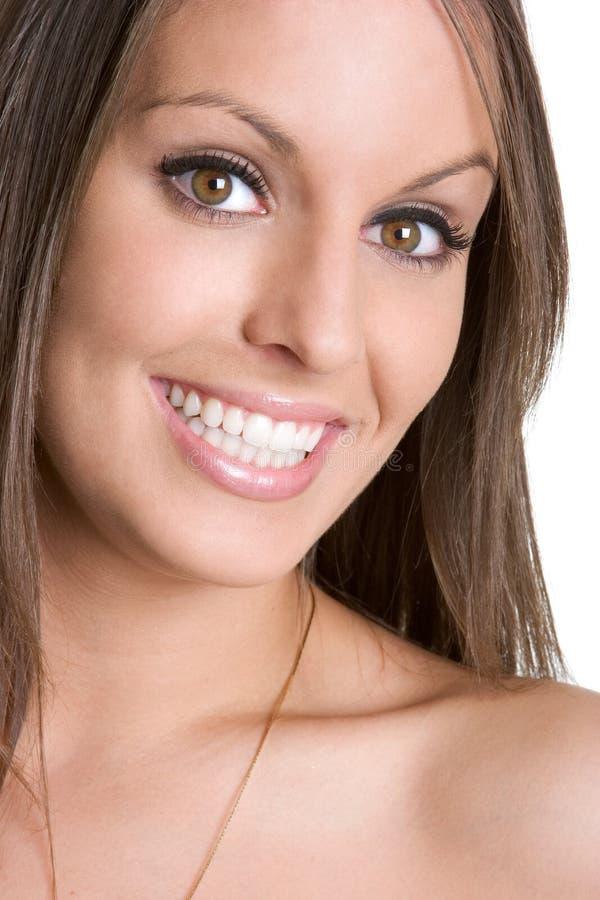Schöne lächelnde Frau stockbild