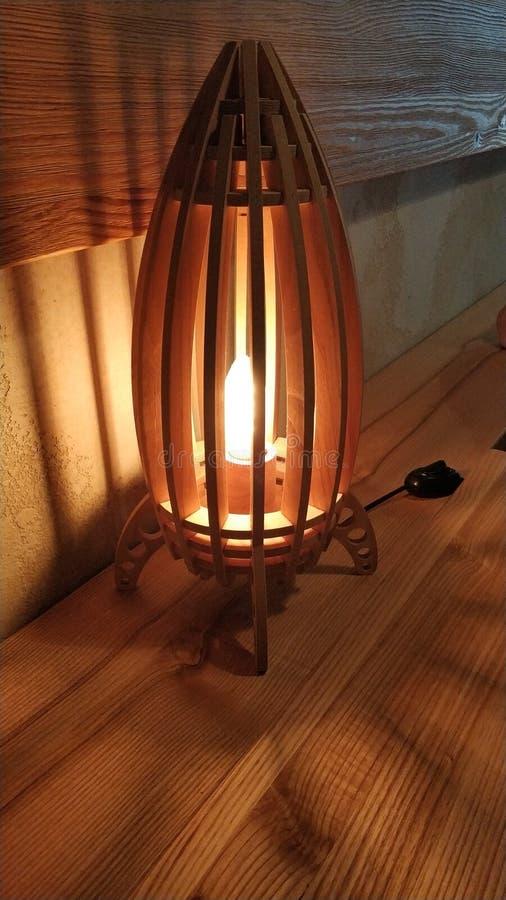 Schöne Lampe im Restaurant von Kiew lizenzfreie stockbilder