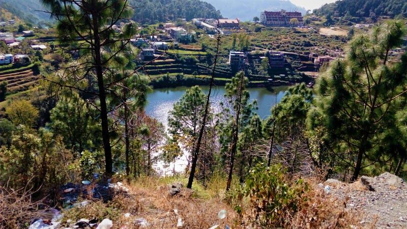 Schöne Landschaft des Dorfs lizenzfreie stockfotos
