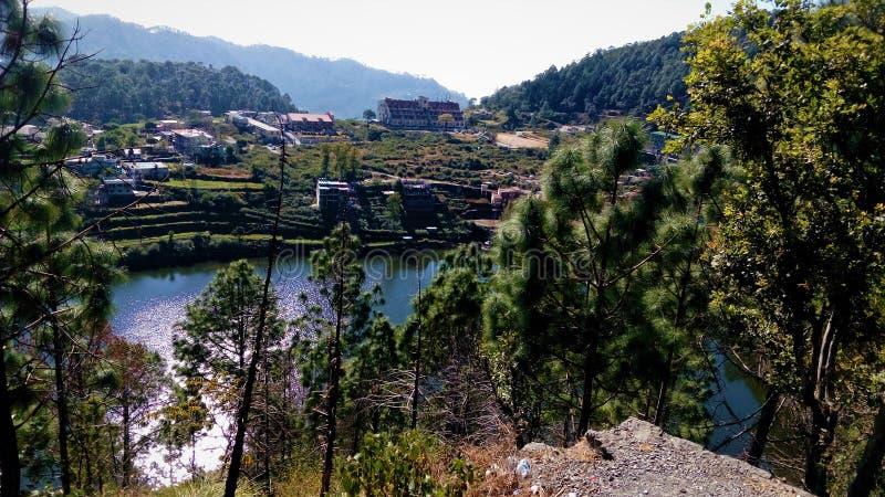 Schöne Landschaft des Dorfs stockfoto