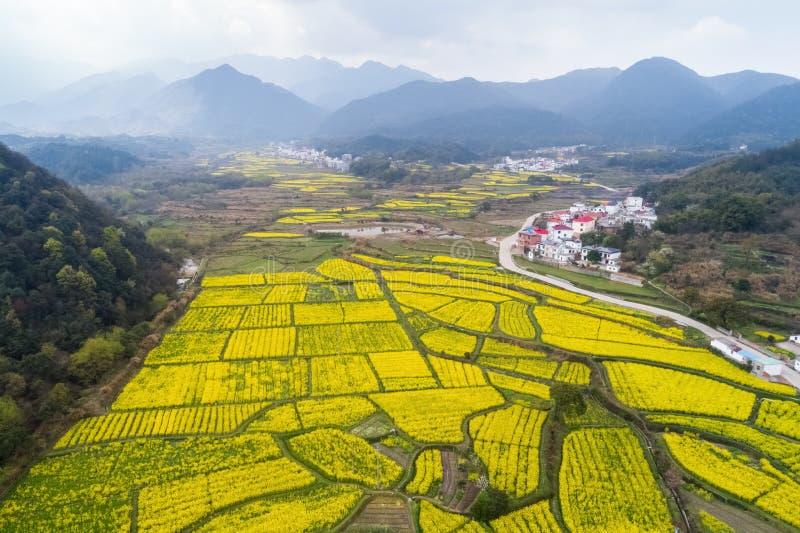 Schöne Landschaft von China ist im Frühjahr lizenzfreies stockbild