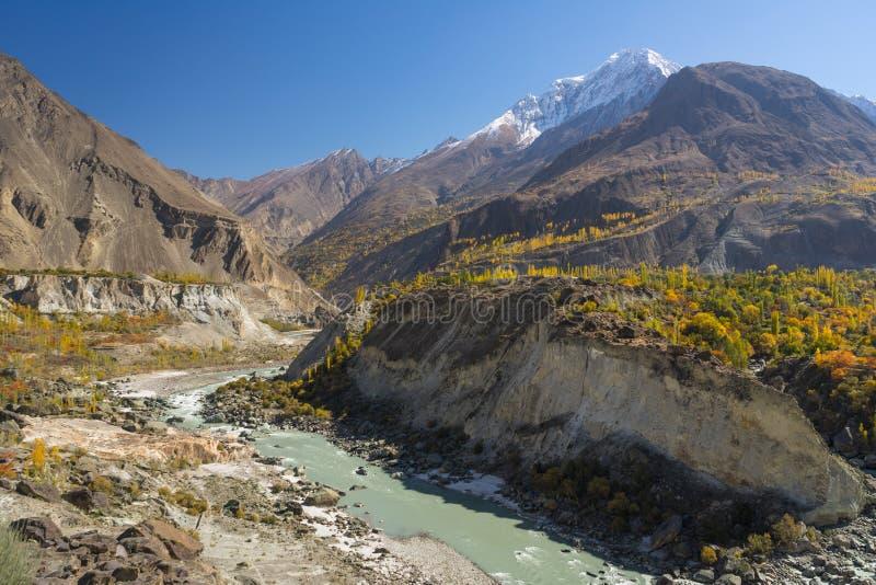 Schöne Landschaft von Pakistan in der Herbstsaison, Hunza-Tal, stockbild