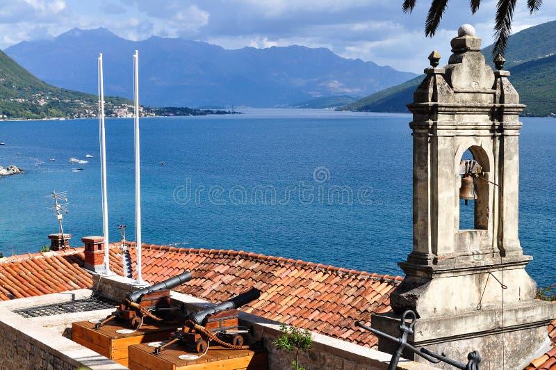 Schöne Landschaft, welche die Bucht übersieht stockfoto