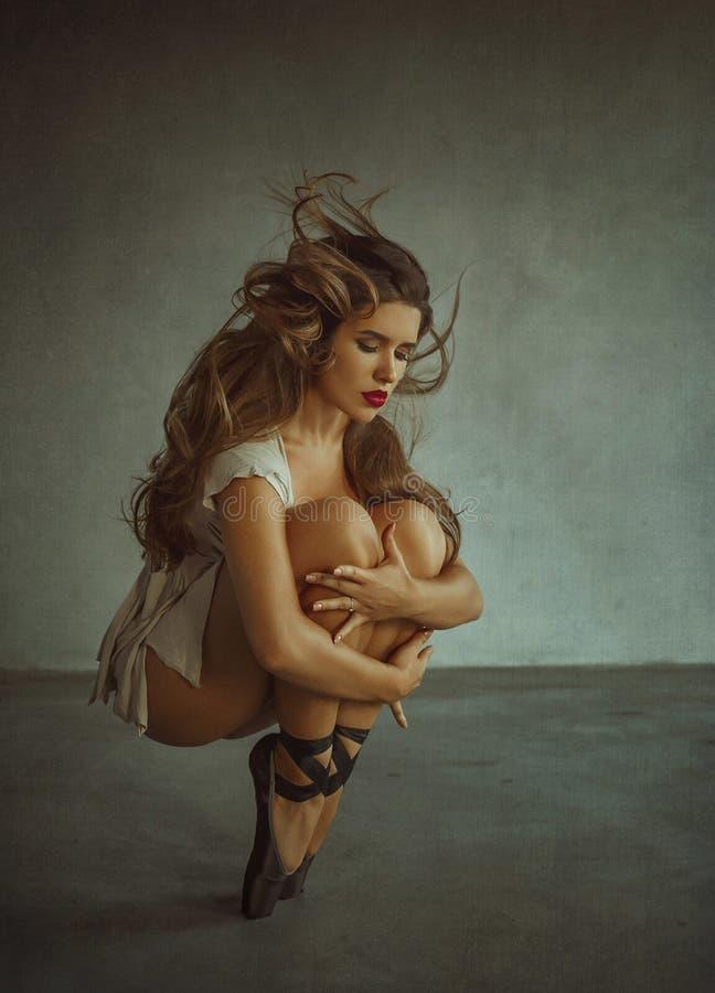 Schöne Mädchenballerina stockfotos
