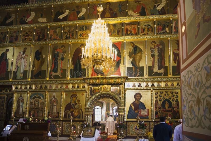 Schöne Malerei des Kirchenglaubens auf den Wänden stockfotografie