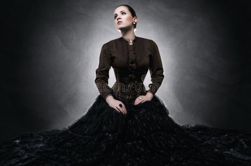 Schöne moderne Frau stockfotos