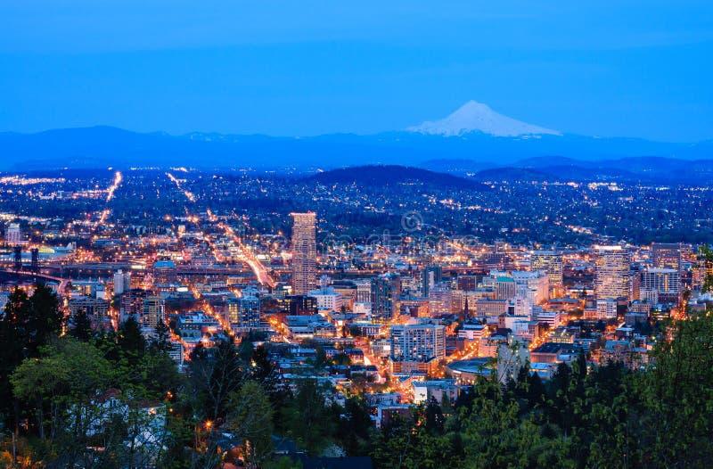 Schöne Nacht Vista von Portland, Oregon stockfotografie