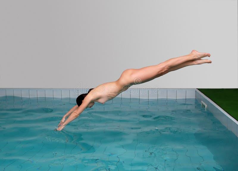 Pool am nackte frauen Mädels zeigen