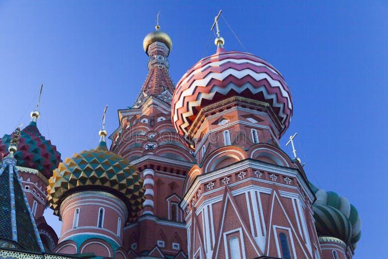 Schöne orthodoxe Kirche stockbild