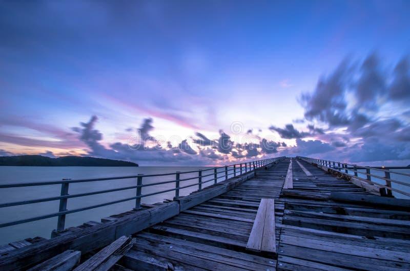 Schöne Ozeanlandschaft bei Sonnenuntergang stockbilder