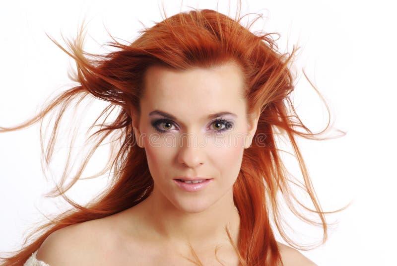Schöne Redhead-Frau stockfoto