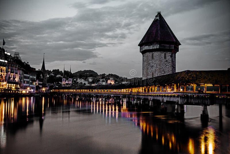 Schöne ruhige Nacht in Lucern-Zentrale stockfotos