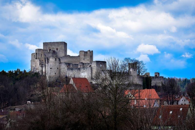 Schöne Ruine in der Tschechischen Republik lizenzfreies stockfoto