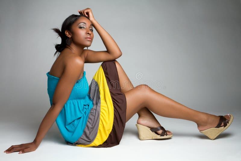 Schöne schwarze Frau lizenzfreies stockbild