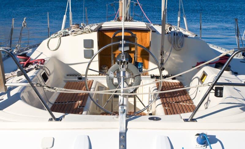 Schöne Segelbootansicht von r stockfotografie