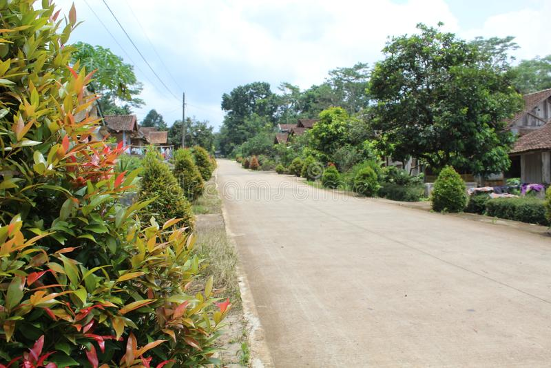 Schöne Seitenweise im Dorf lizenzfreie stockbilder