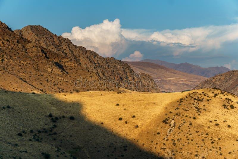 Schöne Sicht auf die Berge Armeniens lizenzfreie stockfotos