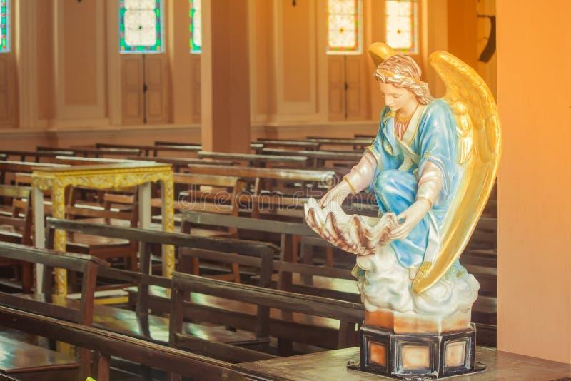 Schöne Skulptur in Roman Catholic Diocese lizenzfreie stockbilder