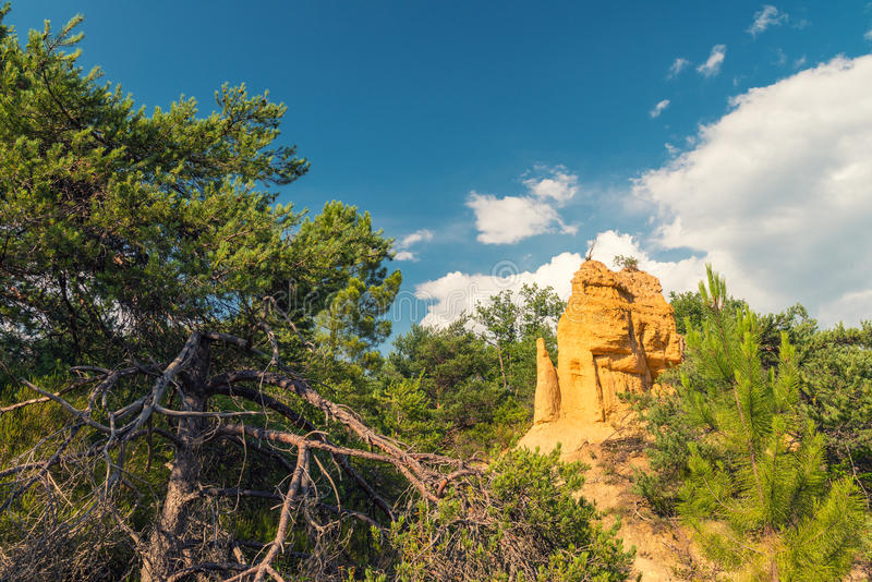Schöne Sommeransicht von Colorado Provencal - Provence, Frankreich lizenzfreies stockfoto