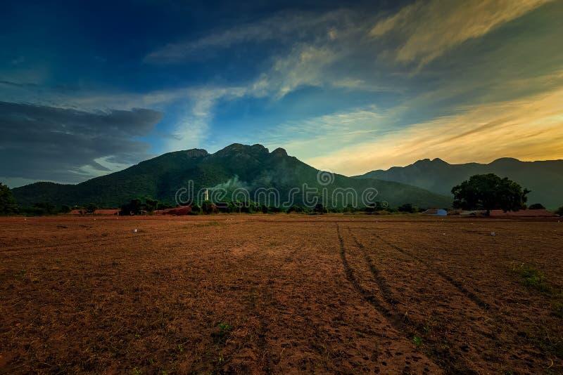 Schöne Sonnenaufgangansicht in Coimbatore Tamilnadu lizenzfreie stockfotografie