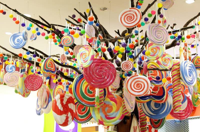Schöne sortierte Süßigkeitbildschirmanzeige stockbilder
