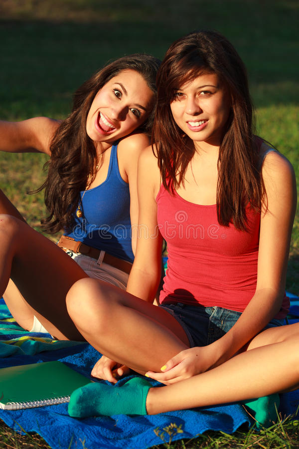 Schöne Studentinnen stockbild