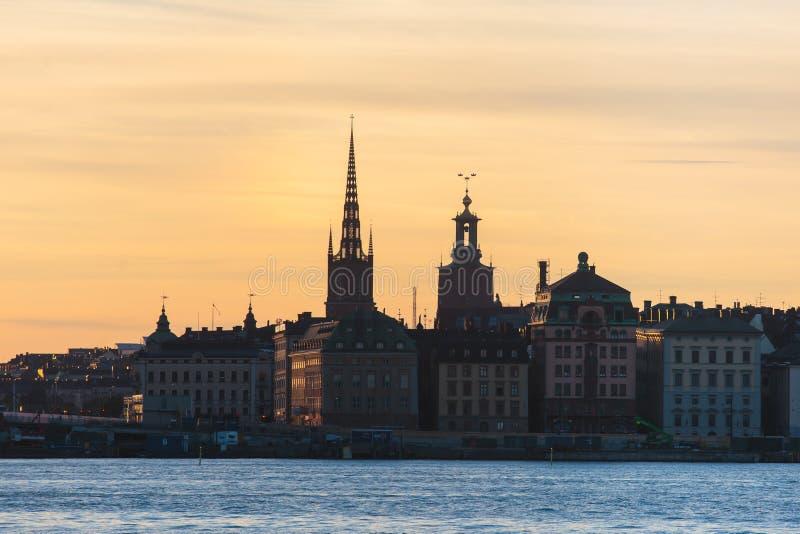 Schöne Superpanoramische WeitwinkelVogelperspektive von Stockholm Schweden mit Hafen und Skylinen mit Landschaft über der Stadt h stockbild