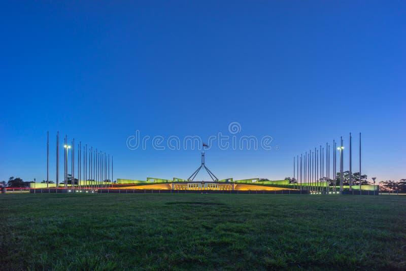 Schöne Szene des Sonnenuntergangs am Parlamentsgebäude Canberra, Australi stockfoto