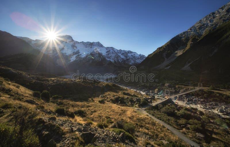 Schöne Szene von Mt-Koch und -umwelt während Wanderung auf Hooker-Tal-Bahn stockfoto
