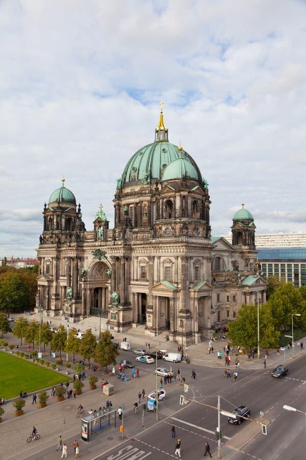 Schöne Tagesansicht von Berlin Cathedral (Bewohner von Berlin Dom), lizenzfreie stockfotos
