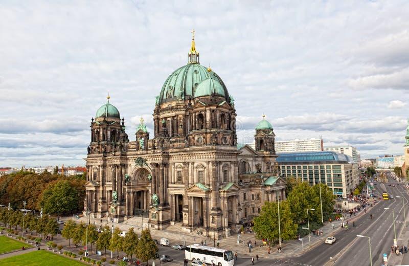Schöne Tagesansicht von Berlin Cathedral (Bewohner von Berlin Dom) lizenzfreie stockfotografie