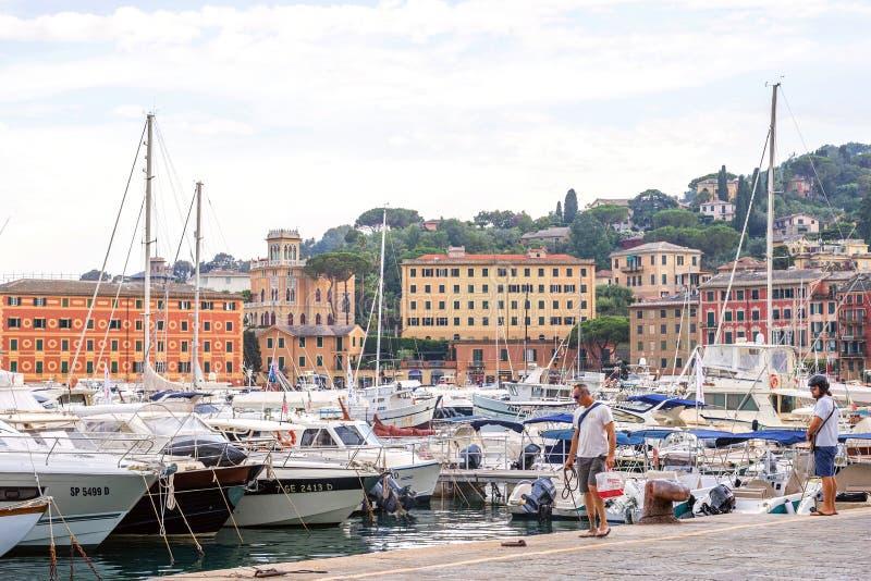 Schöne Tageslichtansicht zu Santa Margherita Ligure-Hafen in Italien stockfoto