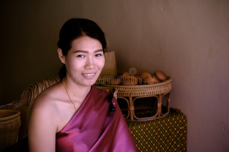 Schöne thailändische Dame