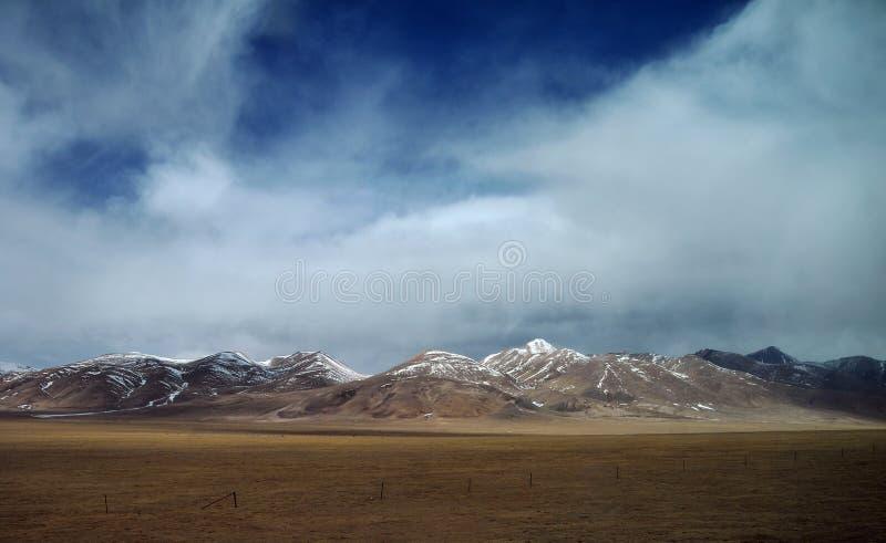 Schöne tibetanische Hochebene stockfoto