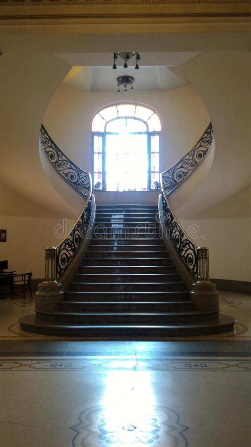 Schöne Treppe in einem Hotel von Punta del Este stockfoto