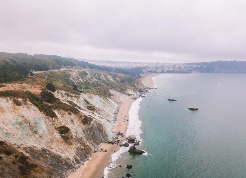 Schöne Vogelperspektive großartiger Küste Na Pali lizenzfreies stockfoto